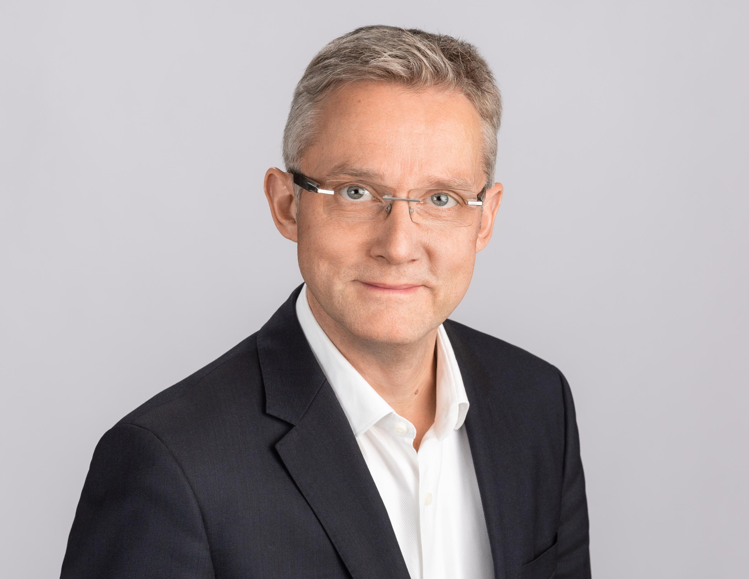 Dr. Christian Dern