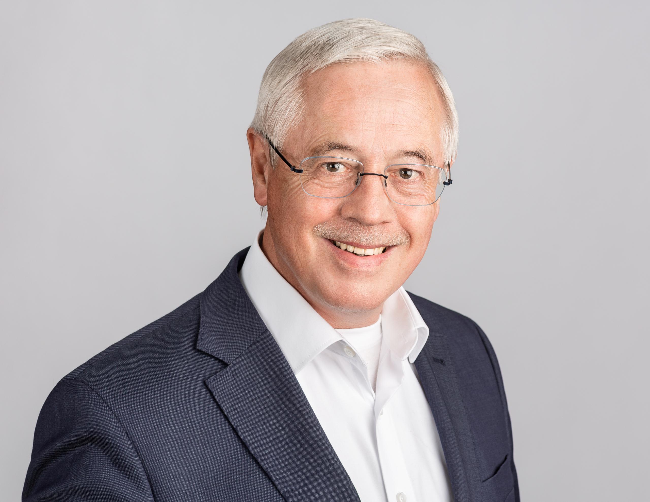 Dr. Paul Schrömbges